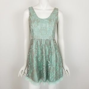 Minuet Small Floral Lace Sleeveless Mini Dress